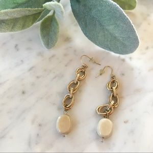 Express gold chain cream dangly earrings ✨